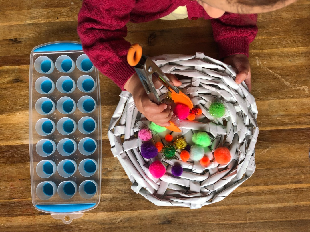 Pom Pom sorting with toddlers 2