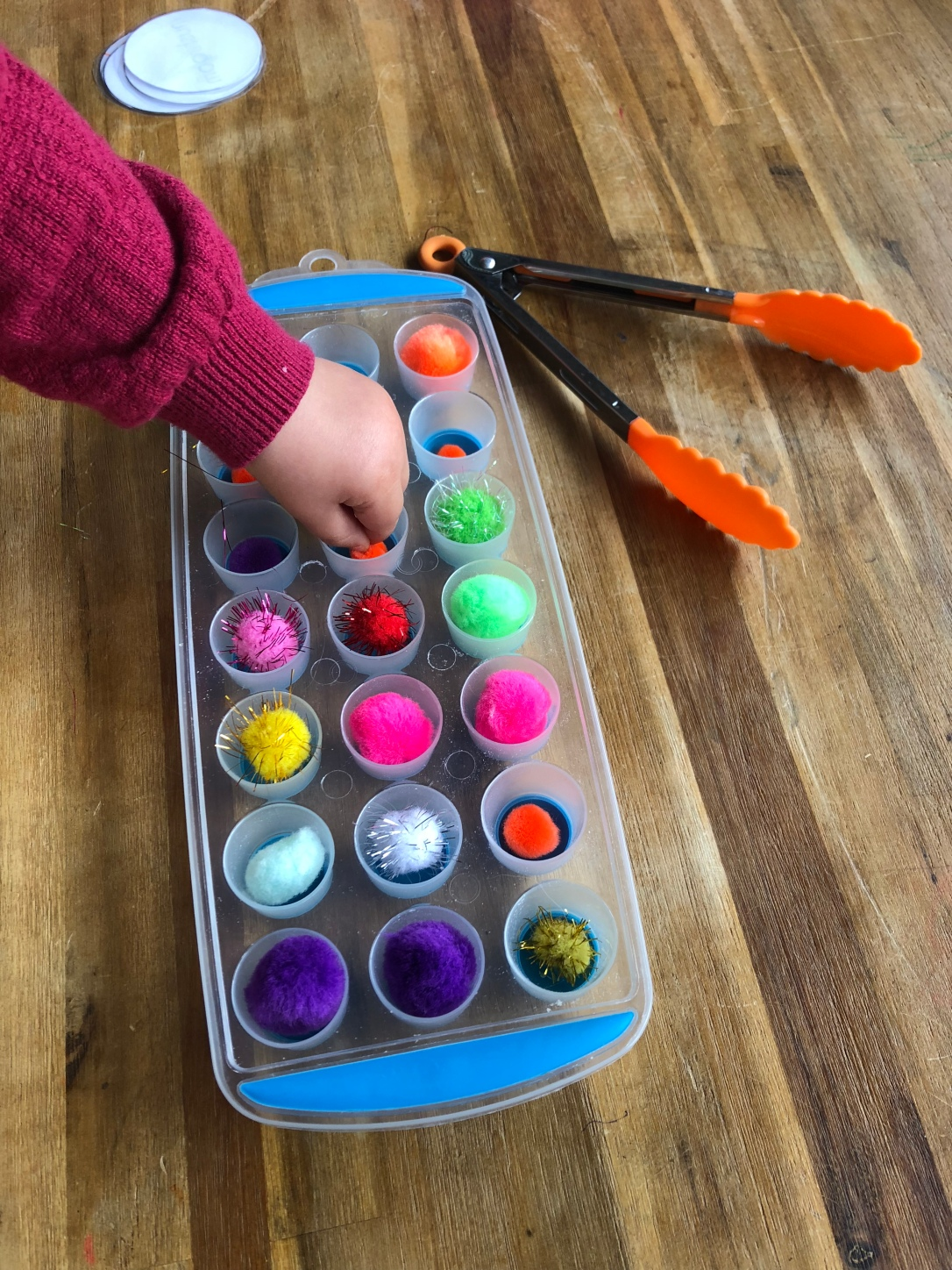 Pom Pom sorting with toddlers 8